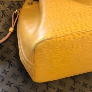 Louis Vuitton Bags - Louis Vuitton Noe Bucket draws trine bag